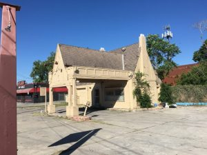 Tudor Revival style Pure Oil gas station on Nogalitos