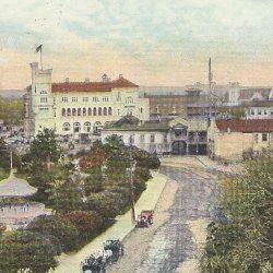 Color postcard of Alamo Plaza, c. 1911