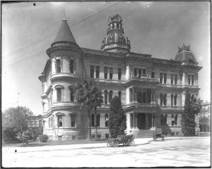 San Antonio City Hall, c. 1900 with original turrets and dome.